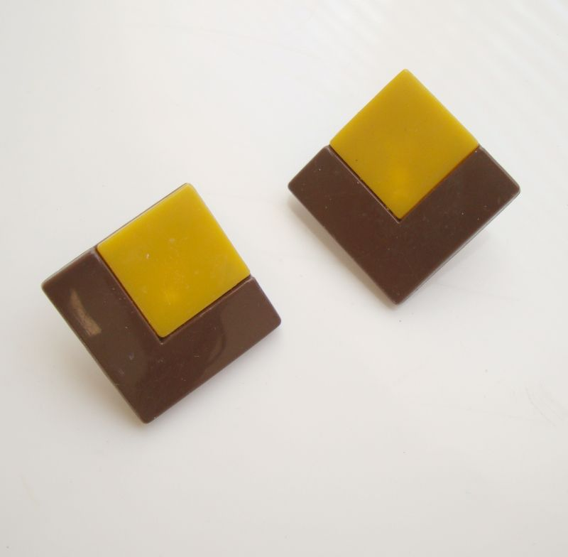 Bakelite Clip Earrings Art Deco Butterscotch Chocolate Two Pair Vintage Jewelry