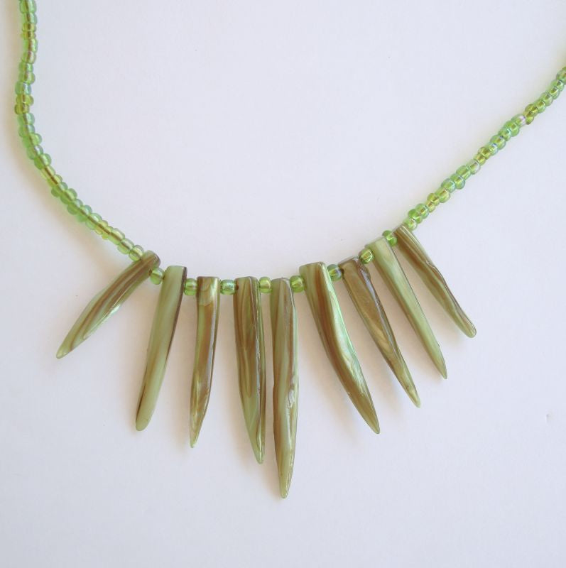 R Signed Art Glass Sharks Teeth micro bead Fringe Necklace Vintage Jewelry