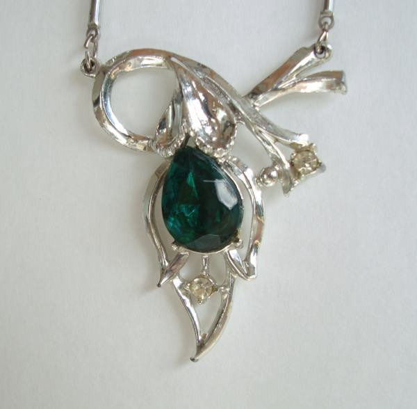 JULA Emerald Green Pear Brilliant Cut Rhinestone Necklace Vintage