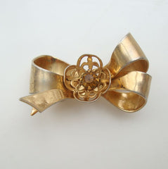 CORO Pegasus 1940s Bow Brooch Openwork Flower w topaz RS Jewelry