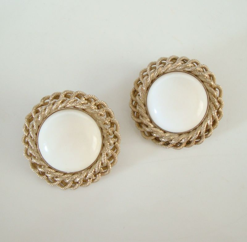 BERGERE Earrings White Thermoset Cabochon Button Clip Ons Vintage Jewelry