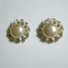 CORO Faux Pearl Swirl Floral Clip Button Earrings Vintage Jewelry