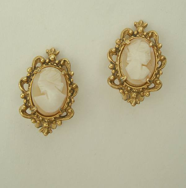 FLORENZA Cameo Clip On Earrings