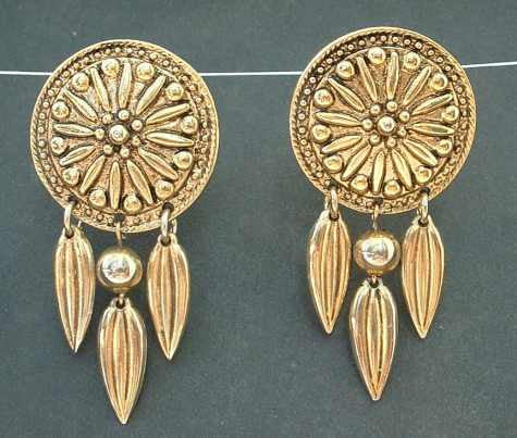 DAUPLAISE Carol Indian-style Clip Dangle Earrings