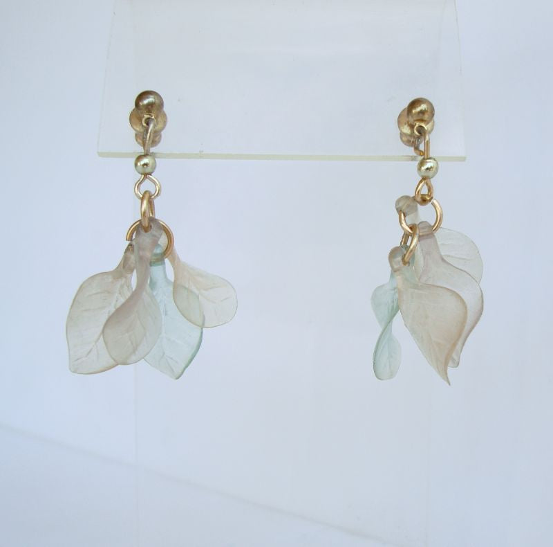 Lightweight Lucite Molded Leaf Dangle Pierced Earrings Vintage Jewelry