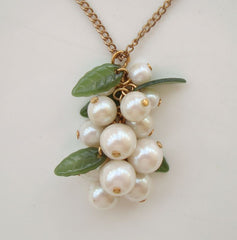 Pearl Cluster Pendant Necklace Lucite Leaves Vintage Floral Jewelry