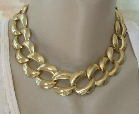Wide Flat Curb Link Necklace 17 inches long Vintage Jewelry