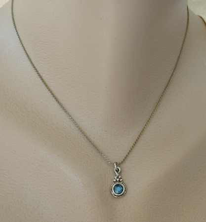 Faceted Aqua Rhinestone 15-inch Pendant Necklace Grape Motif Setting