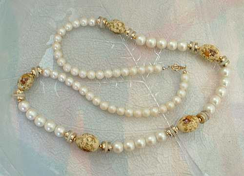 JAPAN Faux Pearl Transfer Painted Bead Necklace Vintage Jewelry