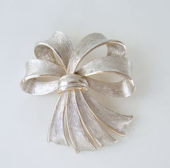 Brushed Satin Silvertone Bow Pin Brooch Vintage Holiday Jewelry