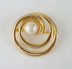 Spiral Circle Brooch Faux Pearl Goldplated Vintage Jewelry