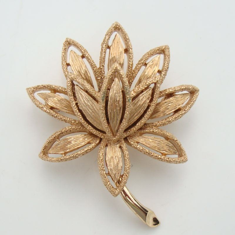 AVON Heavily Textured Floral Brooch Pin Vintage Jewelry