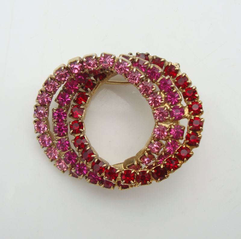 Pink Red Fuchsia Triple Circle Pin Brooch Vintage Jewelry