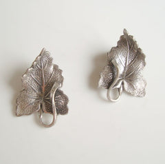 BARTEK Silverplated Leaf Clip On Earrings Detailed Vintage Floral Jewelry