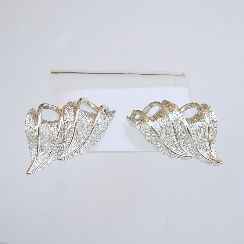 CORO Pegasus Leaf Clip Earrings Rhodium Plated Mint Vintage Jewelry