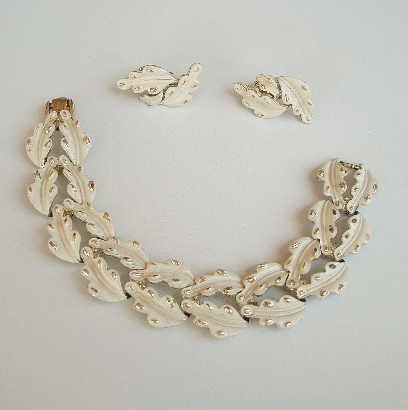 CORO White Enamel Maple Leaf Link Bracelet Earring Set Vintage Floral Jewelry