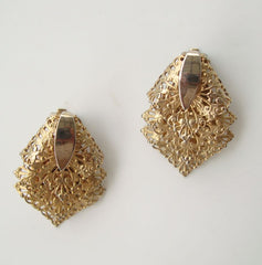 Sarah Coventry CHANTILLY LACE 1960s Filigree Clip On Earrings Vintage Jewelry