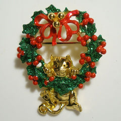 AJC Christmas Wreath Pin Brooch Hanging Cat Red Green Holiday Jewelry
