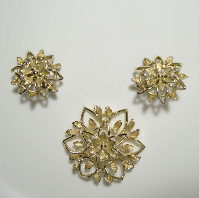 Sarah Coventry PETA LURE Brooch Earrings Set 1960s Vintage Floral Jewelry
