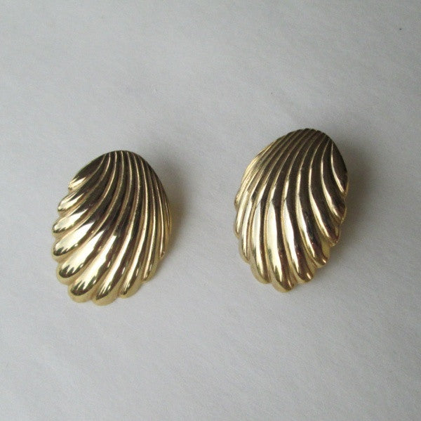 Napier Leverback Clam Shell Earrings Vintage Designer Jewelry