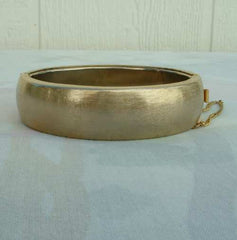 Hinged Bangle Bracelet Florentine Finish Marked Safety Chain Goldtone Vintage Jewelry