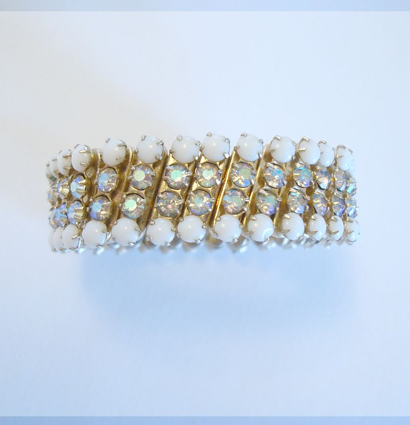 JAPAN Rhinestone White Bead Small Expansion Bracelet Vintage Jewelry