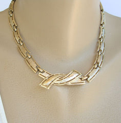 Coro Ribbon Link Necklace Florentine Finish Classic Vintage Jewelry