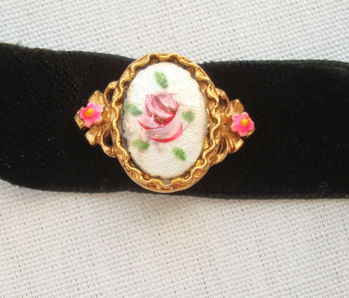 ART Ribbon Choker Necklace Guilloché Rose Pendant Designer Vintage Jewelry