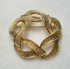 Ribbon Circle Pin Highly Textured Goldtone Vintage Jewelry