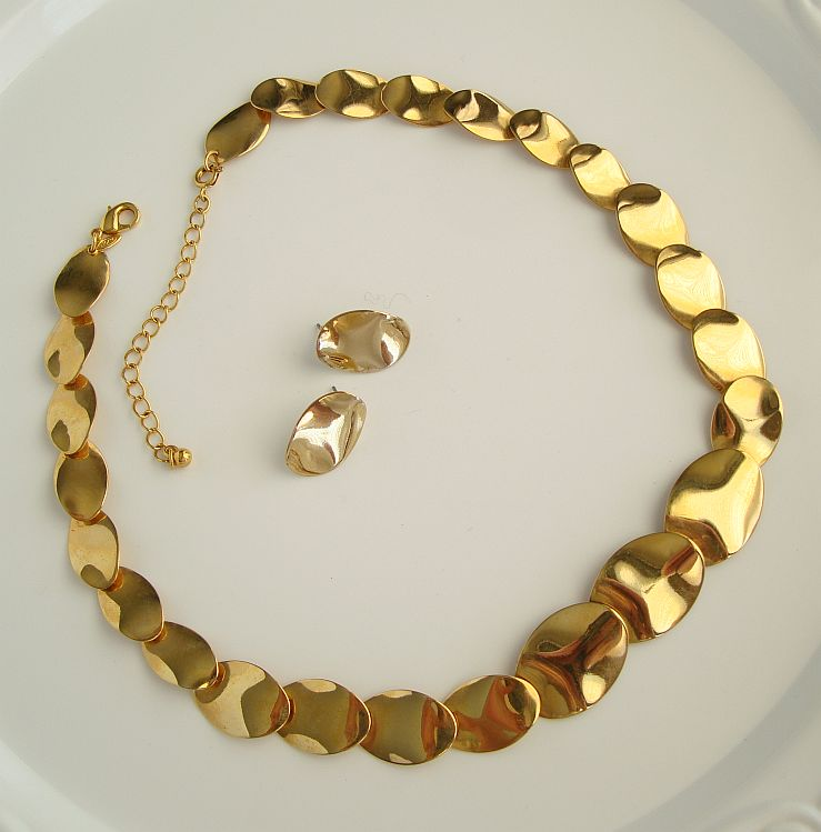 Avon Goldtone Curved Disks Necklace Earring Jewelry Set Vintage Jewelry