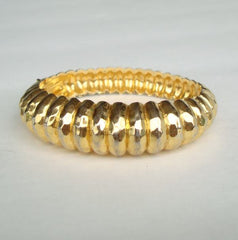 Ribbed Goldtone Hinged Bangle Bracelet Vintage Jewelry