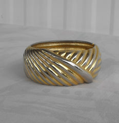 Wide Hinged Oval Bangle Bracelet Sweeping Geometric Pattern Vintage Jewelry