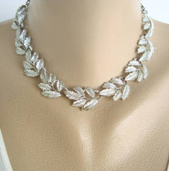 Detailed Linked Leaves Necklace Rhodium Plated Vintage Floral Jewelry