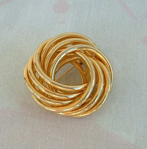 Dimensional Layered Swirled Ribbon Brooch 3-D Goldtone Vintage Jewelry