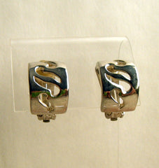 Wide Openwork Silvertone Huggie Earrings Clip Ons Jewelry