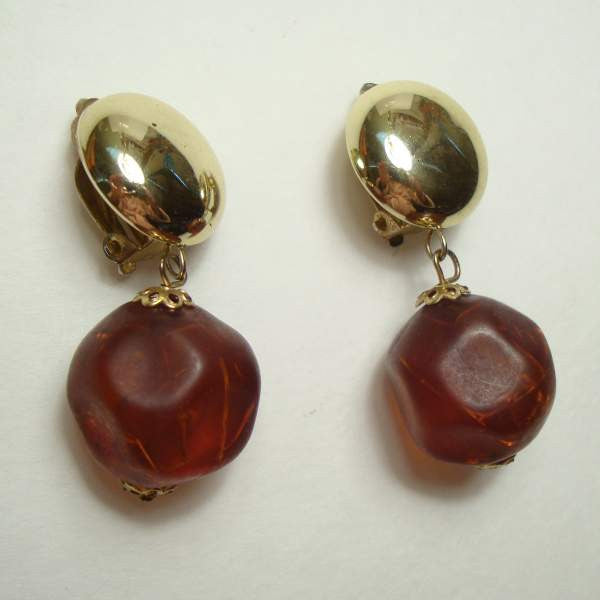 Crackled Faux Amber Dangle Earrings Clip On Style Vintage Jewelry