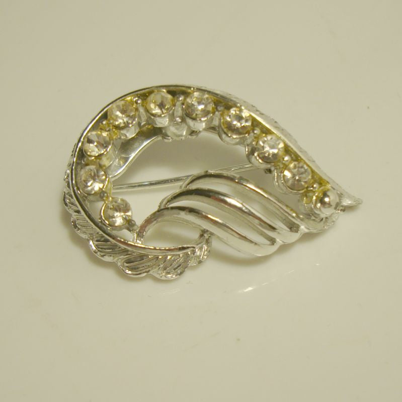Elegant Wing Shaped Rhinestone Pin Floral Design Jewelry