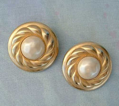 CAROLEE Vintage Faux Pearl Large Button Clip Earrings Vintage Jewelry