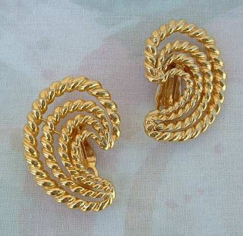 St John Knits Rope Spiral Comma Clip On Earrings Designer Jewelry