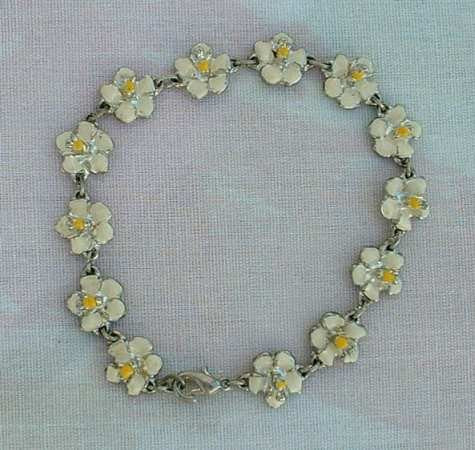 Enameled Flower Bracelet Yellow White Link Floral Vintage Jewelry