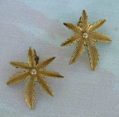 Sarah Coventry AUTUMN HAZE 1960s Pineapple Leaf Clip Earrings