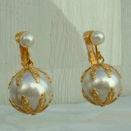 5cc0eb8a2 CELEBRITY NY Faux Pearl Dangle Clip Earrings Vintage New Old Stock ...