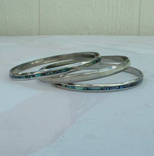 Three MOP Abalone Inlaid Thin Bangle Bracelets Set Vintage Jewelry