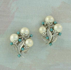 Sarah Coventry ALASKAN SUMMER 1960s Clip Earrings Pearls Floral