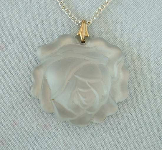 Molded Rose Clear Glass Pendant Necklace Vintage Floral Sweetheart Jewelry