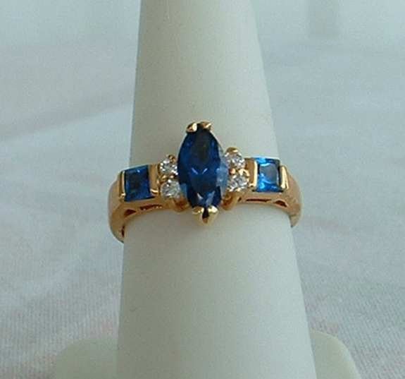 Brand new Lind Blue Sapphire Rhinestones Ring Size 7.5 Navette Marquise 14K  IV87