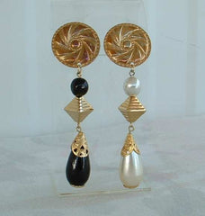 Retro 1970s Opposites Attract Dangle Earrings Clip On Style Vintage Jewelry