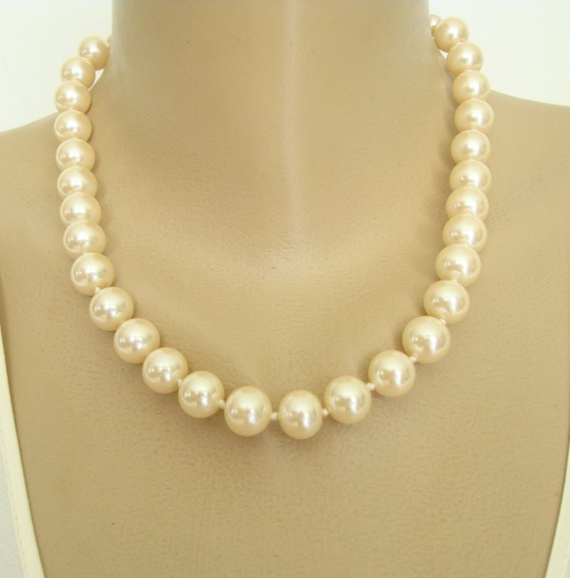 Heavy Glass Pearl Necklace Hand-knotted Crown Hang Tag Wedding Jewelry