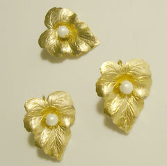 Sarah Coventry CHIT CHAT SET Late 1950s Leaf Pearl Earrings Pin