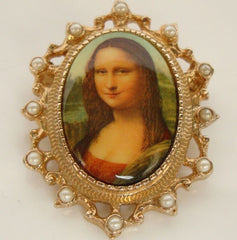 Sarah Coventry Masterpiece Mona Lisa Brooch Pendant 1970s Jewelry
